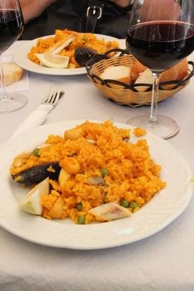 Plato de paella de marisco 4€