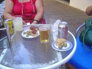 Bebidas y tapas