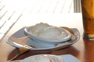 """Una de las tapas incluidas en la oferta de """"Caña + tapa"""" 1,3 €. Se trata de huevos duros con mayonesa. ¡Estupendos!"""