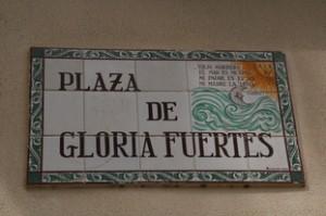 Plaza de Gloria Fuertes. Muy cerca de la plaza del Recinto Ferial.