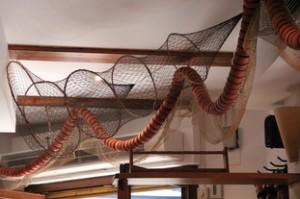 La decoración tiene motivos marineros muy agradables.