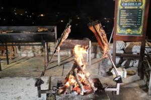La carne asándose en el Asador Criollo