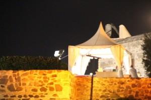 Una de las jaimas ubicadas en el exterior del Castillo