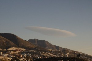 Y mirando al norte nos encontramos con esta otra nube