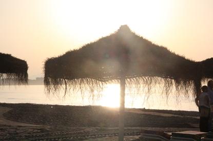 El sol ya está alto anunciando la llegada de nuevas huellas