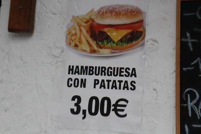 Hamburguesa con patatas 3€