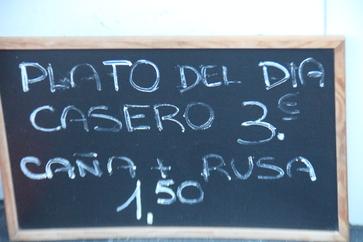 Plato casero del día 3€. Caña + [ensaladilla] rusa: 1,50€