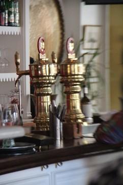 Grifos de cerveza en bronce