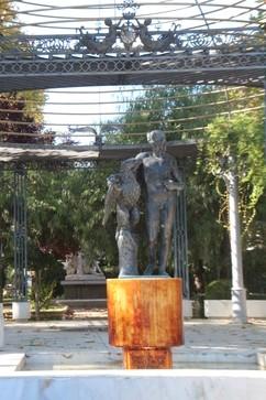 Escultura homenaje a los celadores del patrimonio artístico
