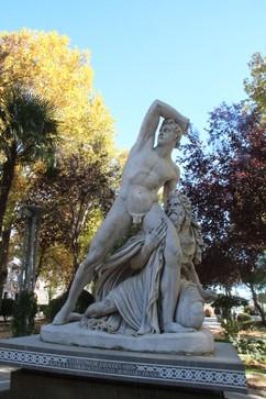 """Copia de """"La defensa de Zaragoza"""" cuy original está en el Museo del Prado. Obra de Álvarez Cubero de 1818. El escultor nació en Priego"""