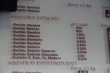 Un detalle de lo que vende. Por ejemplo, estuche surtido navidad 9,50€