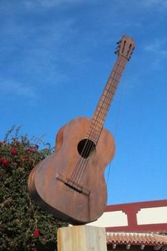 Monmento a la guitarra