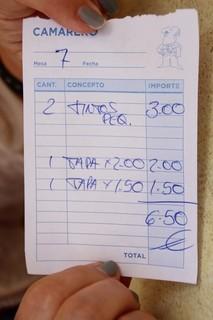 Dos tintos 3€ 1 tapa de 2€ 1 tapa de 1,50 €