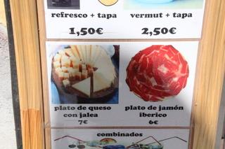 Plato de queso con jalea €. Plato de jamón ibérico 6€