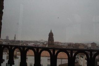 La torre que destaca es el campanario de la iglesia de San Miguel
