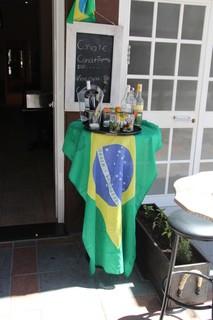 Bnadera brasileña en la puerta de La Costa