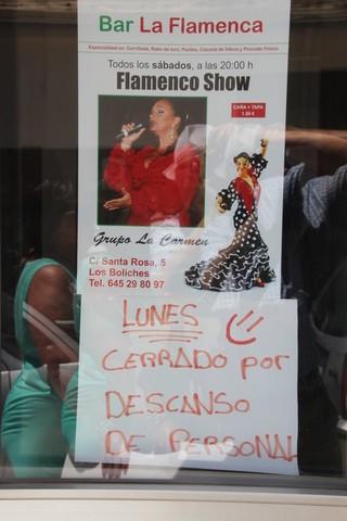 Cartel del show flamenco. Los lunes descanso