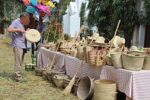 Vendedor de sombreros y cestos