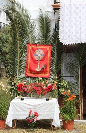 Un altar en mitad de la calle