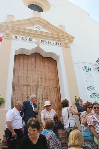 Puerta de la iglesia tras la salidas de la procesión