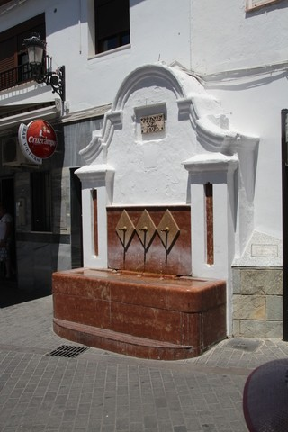 Fuente pública Yunquera