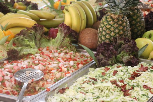 Ensaladas, frutas y postres