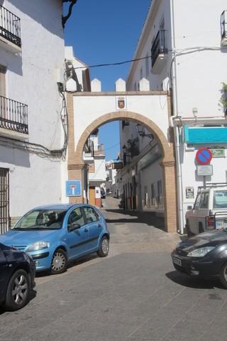 Otra calle con arco