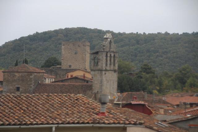 Iglesia y castillo de San Martín del Castañar.