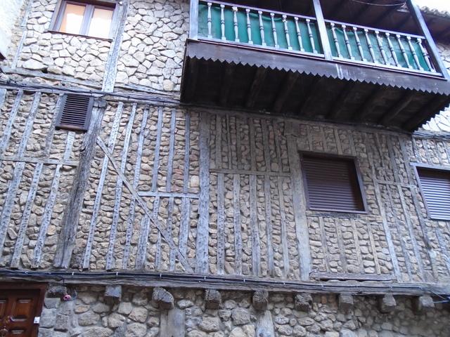 C asa típica en San Martín del castañar.