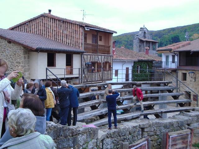 Gradas, plaza de toros de San Martín del castañar.