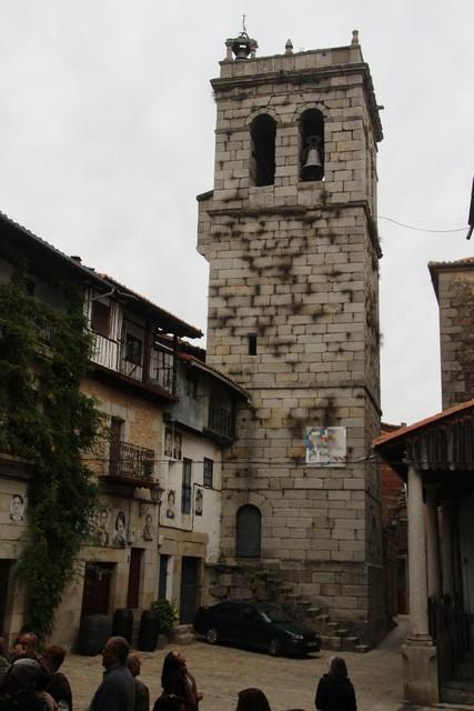 La torre campanario.