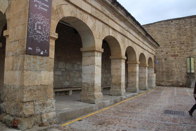 Monumento en calle Campo Frío.