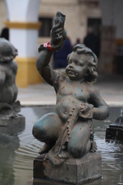 Detalle de la fuente de la plaza del Buen Alcalde.