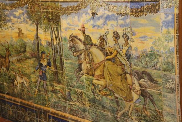 Cerámica en la pared de Correos.