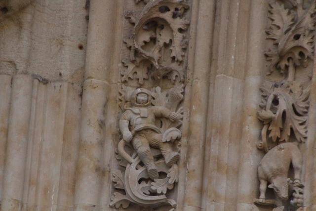 ¿Un astronauta en la fachada dela Catedral Nueva de Salamanca?