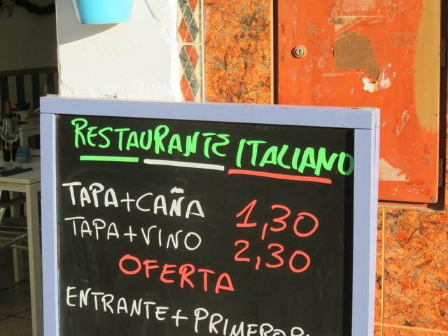 Oferta. Caña + tapa: 1,30€. Tapa + vino siciliano 2,30€.