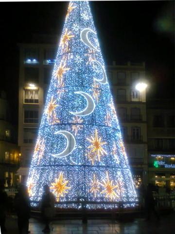 Detalle iluminación navideña de Málaga capital.