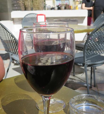 Dos copas de Rioja Crianza.