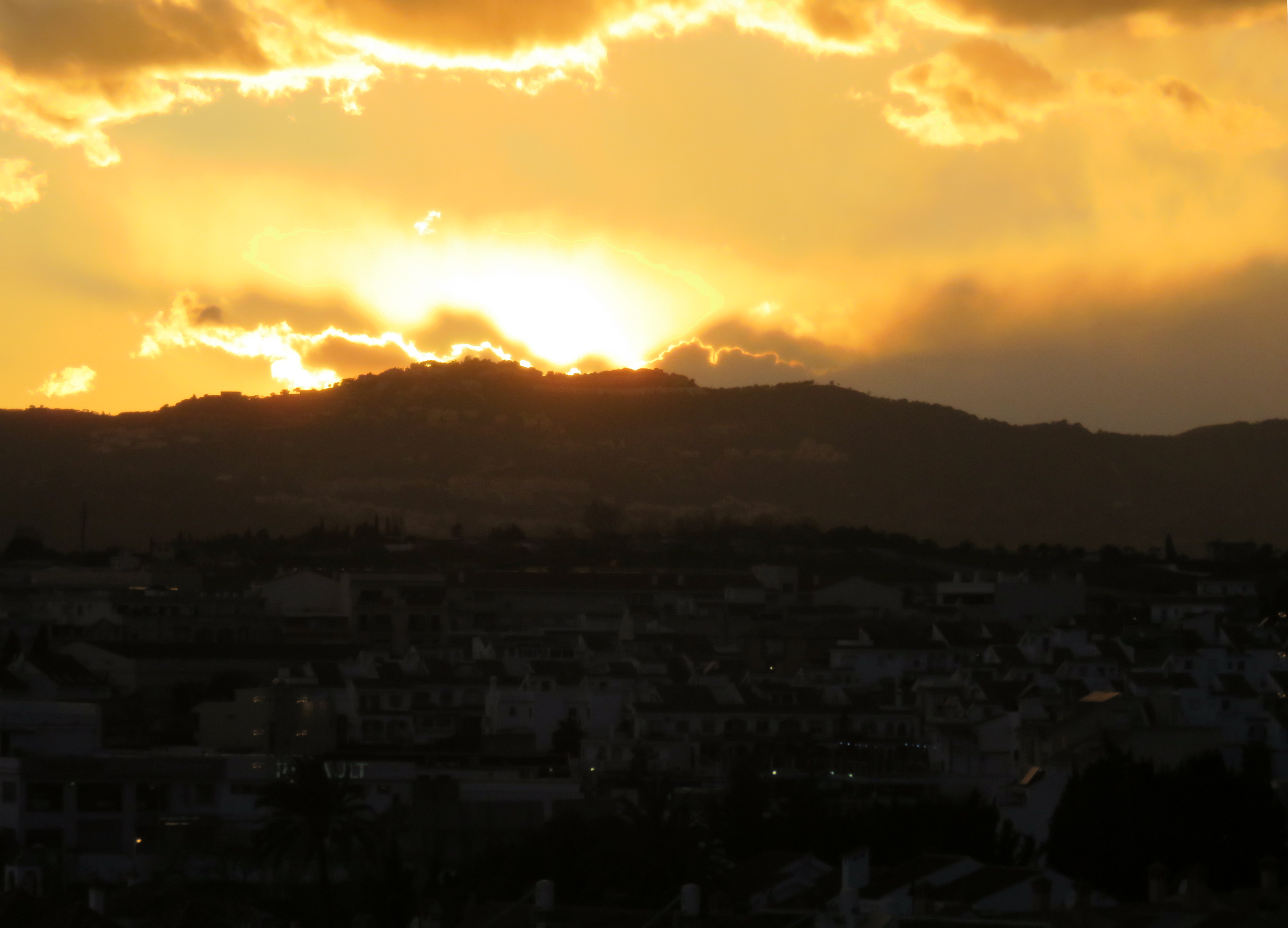El sol se pone en Fuengirola.