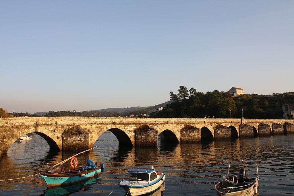 Pontevedra. Puente romano de Sampaio.