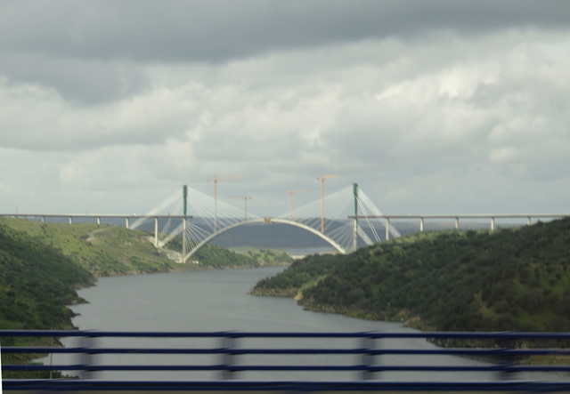 Viaducto sobre el Tajo del AVE.