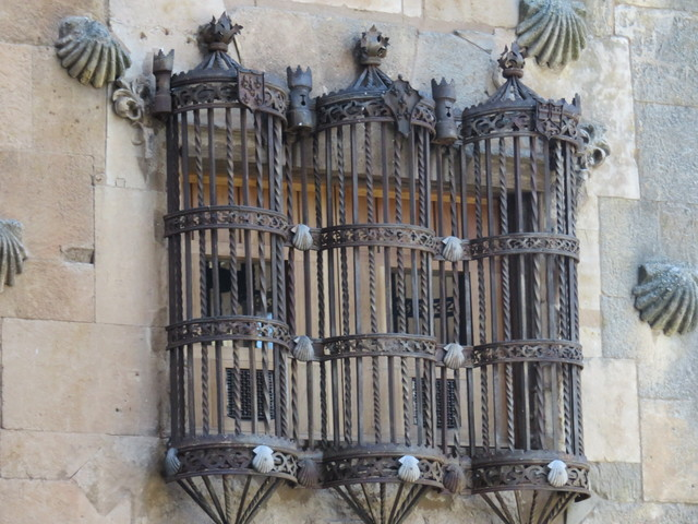 Balcón de hierro forjado.