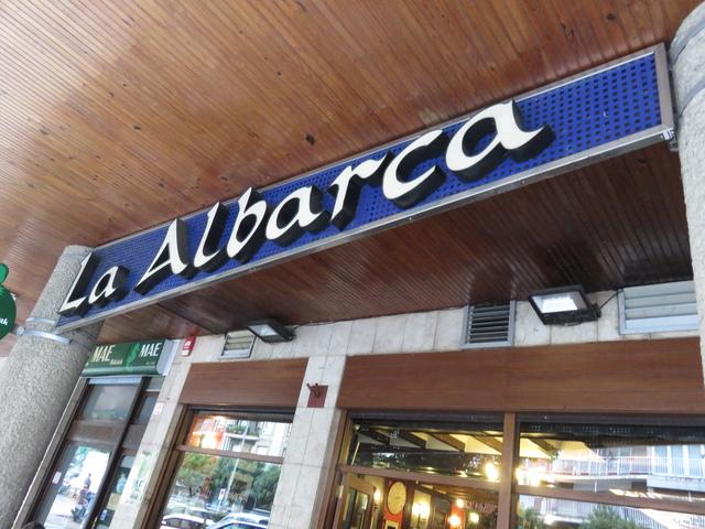 La Albarca. Los colores son el blanco y el azul: los colores de la Real Sociedad de fútbol.