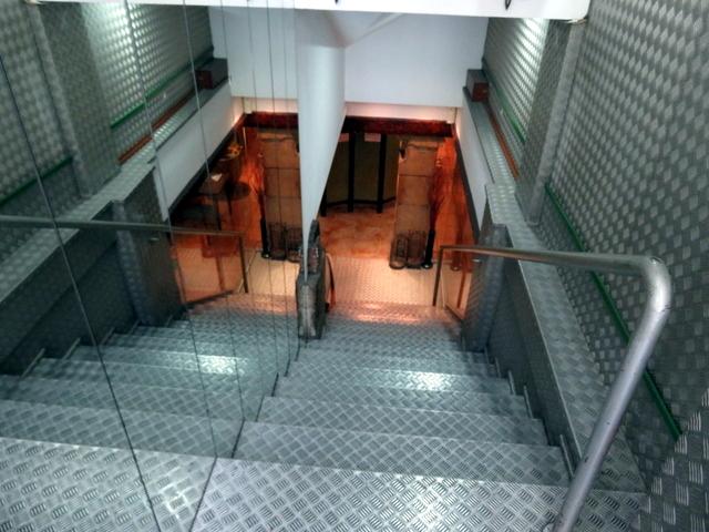 Las escaleras para bajar