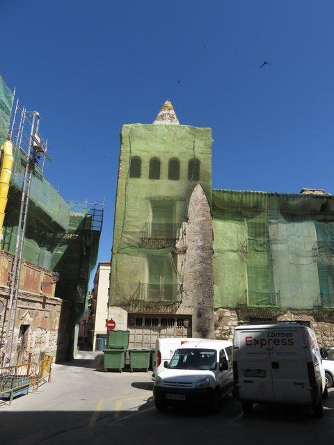 Una torre de la catedral. Los andamios hacen que la vista sea tremendamente fea.