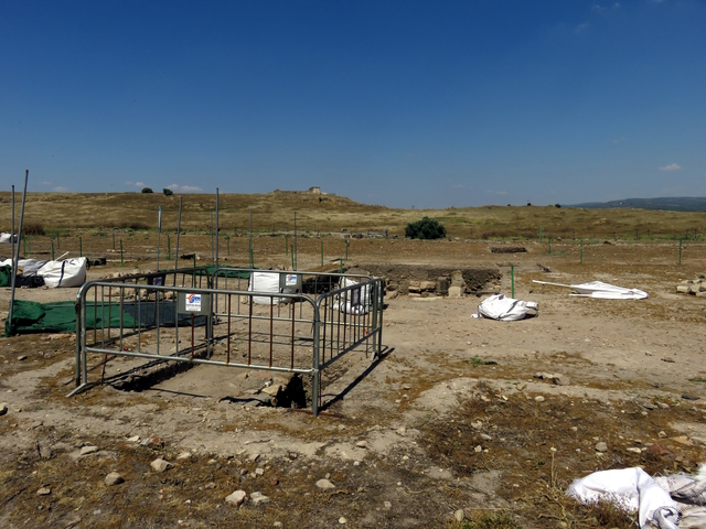 Más zona de excavación.