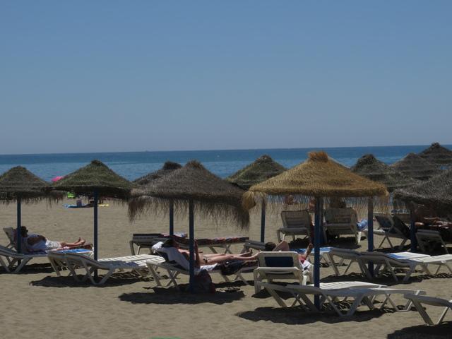 Sombrillas para disfrutar de la playa.