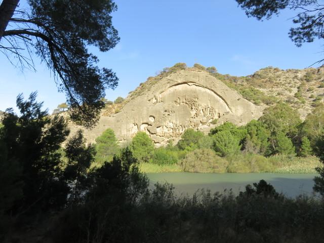Colina de arenisca erosionada.