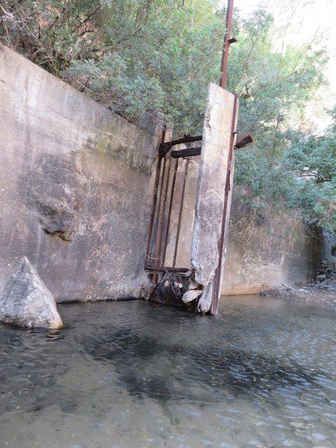 Restos de las antiguas exclusas.