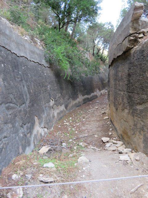 Cauce del antiguo canal.